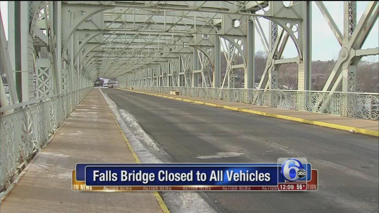 VIDEO: Falls Bridge closed to all vehicles