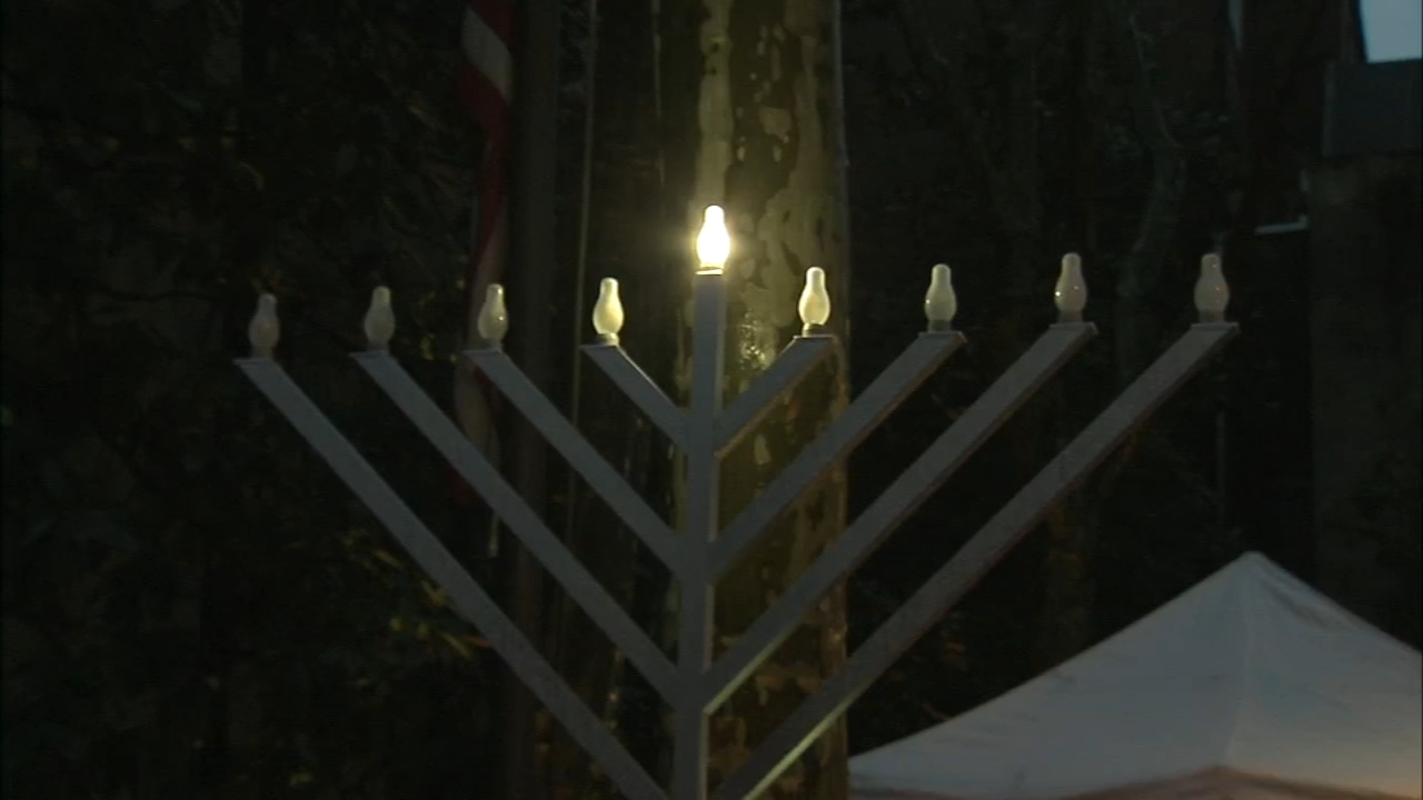 Menorah lighting at Betsy Ross House: Christie Ileto reports on Action News at 6 p.m., December 2, 2018