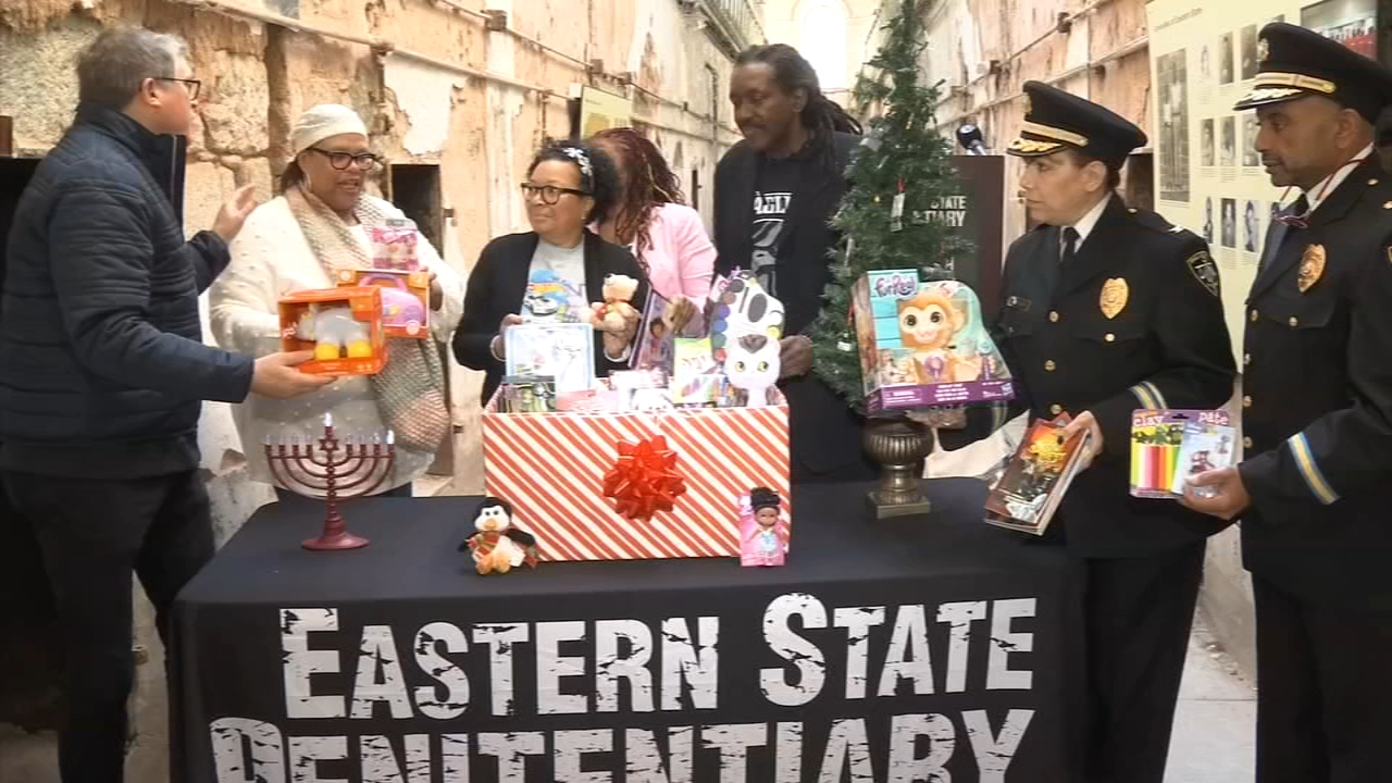 Making sure kids whose parents are spending time behind bars will get some holiday cheer as reported during Action News at 4 on December 3, 2018.