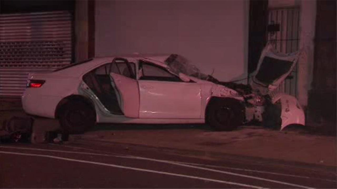 Driver hurt after crashing into Strawberry Mansion building