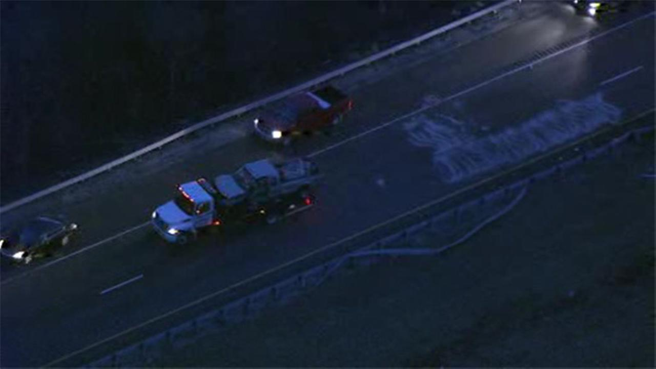 1 person hurt in pick-up truck crash in Gloucester Co.