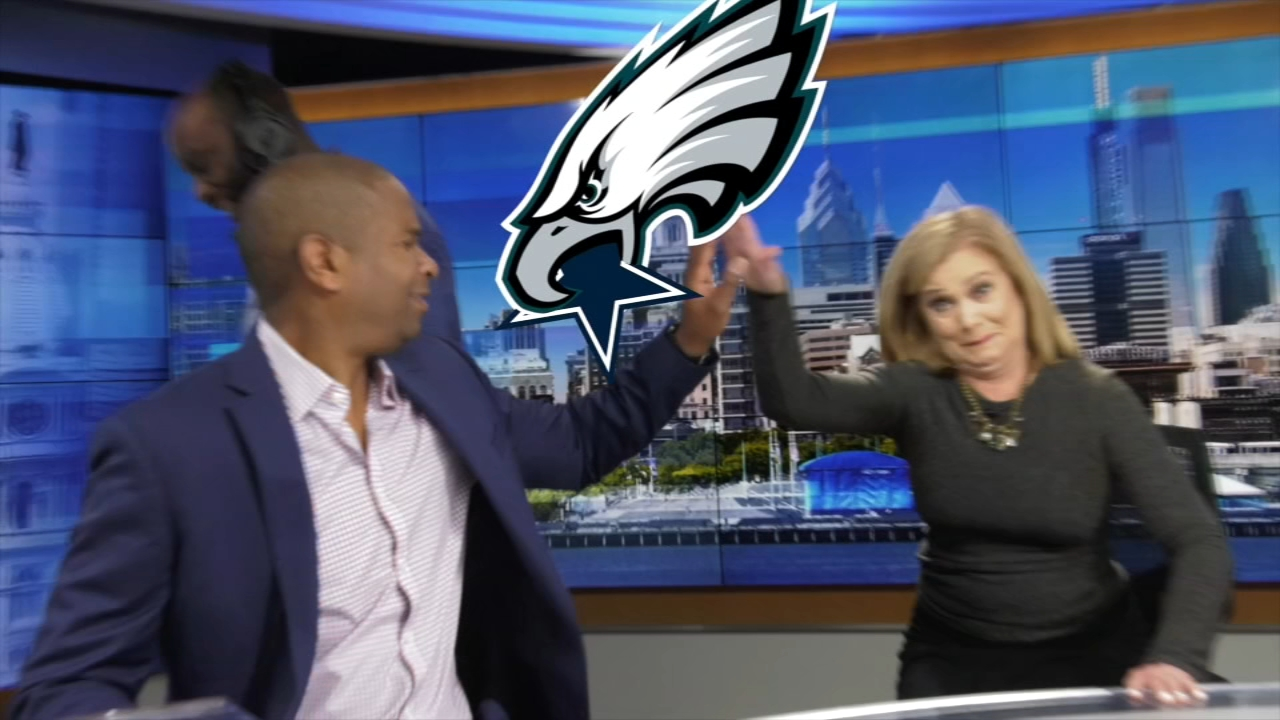 Ducis and Action News reporter Jeannette Reyes make their score predictions for a pivotal game for the Birds.
