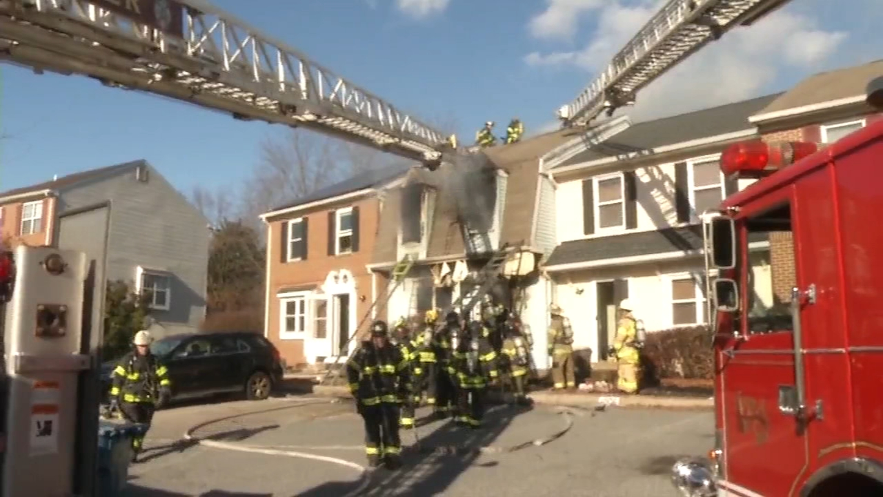 1 dead after fire in New Castle, Delaware townhouse. Vernon Odom reports during Action News at 4pm on December 7, 2018.
