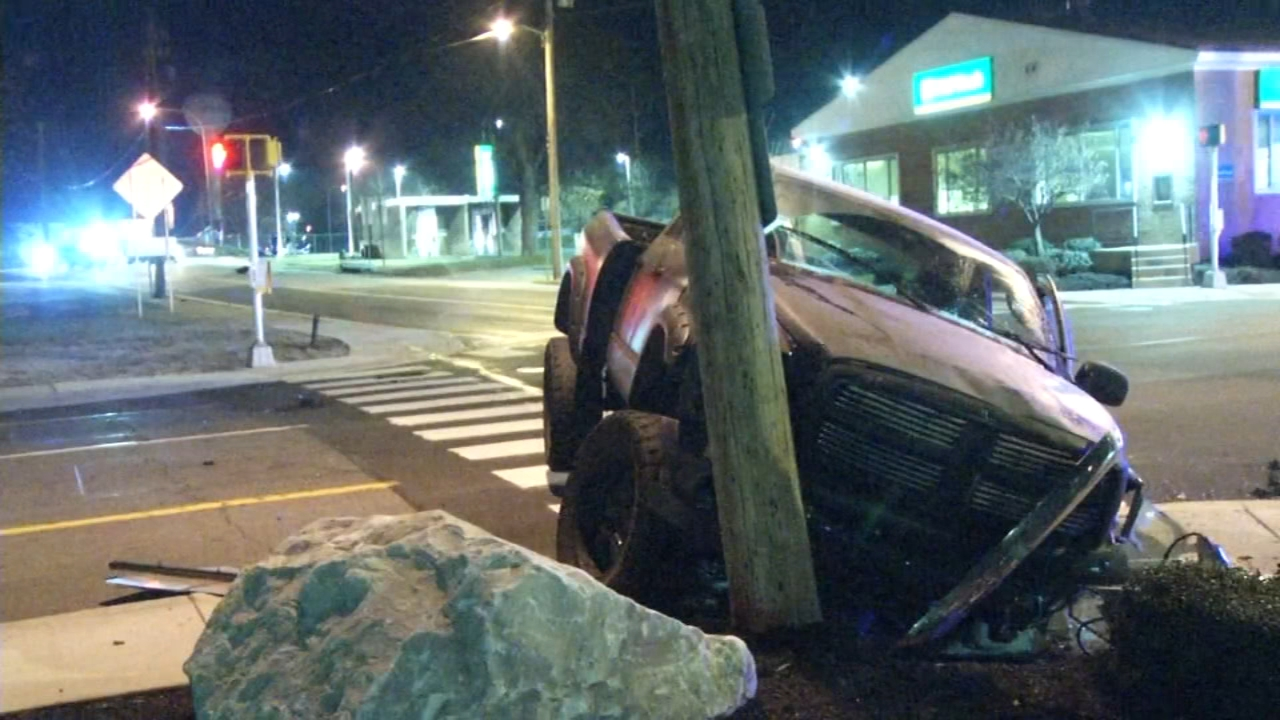 Truck crashes into utility pole, takes out wires in Newport, Delaware. Walter Perez reports during Action News at 6 p.m. on December 8, 2018.