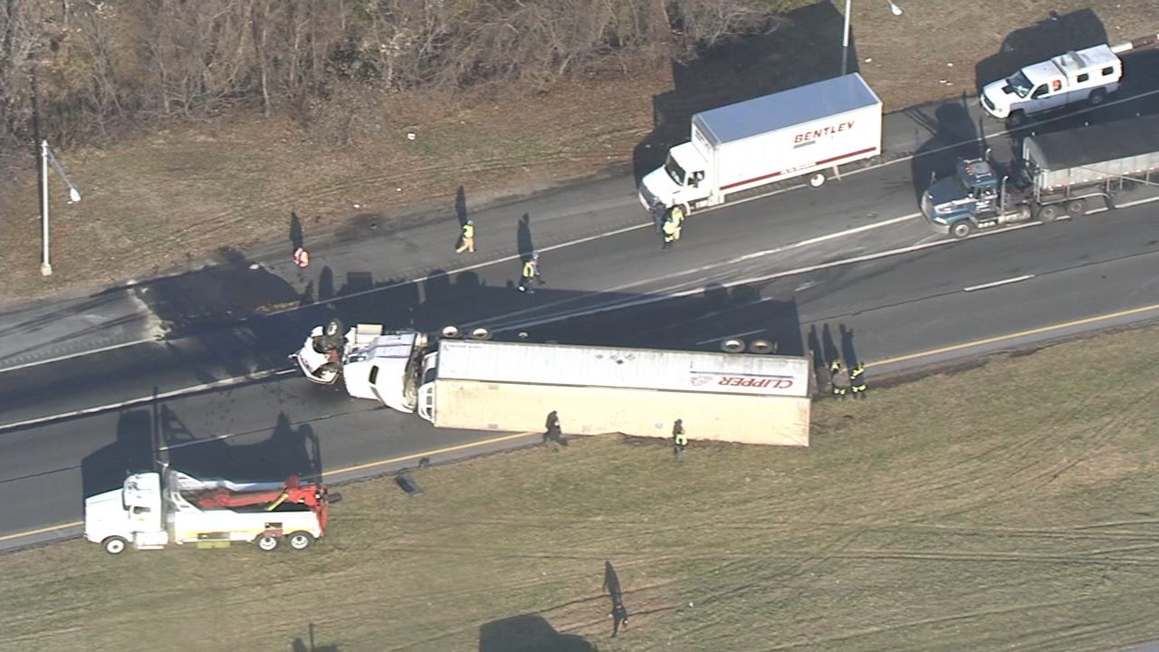 Chopper 6 Video: Tractor-trailer overturns on I-295 in Swedesboro, Gloucester County on December 12, 2018.
