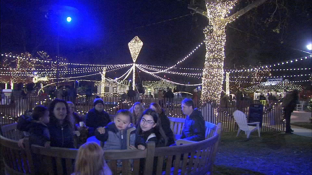 This weekend, Franklin Square hosts a must-see light show and the running of the Santas.