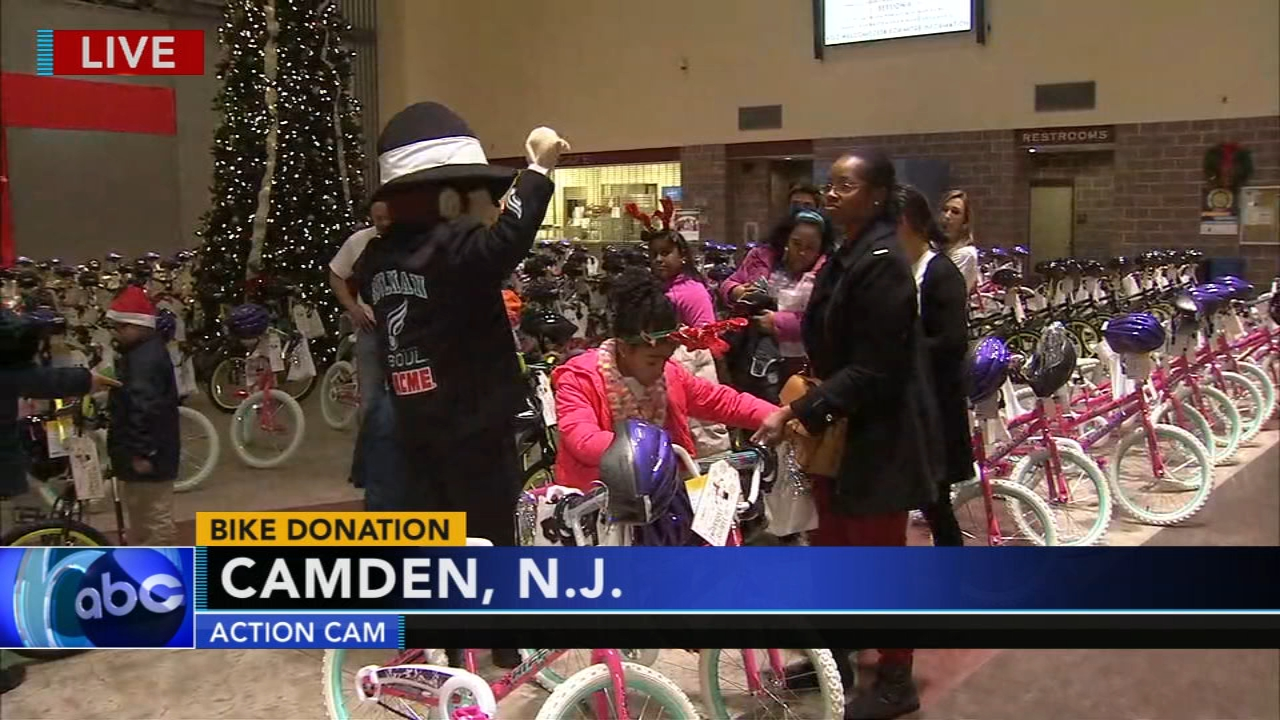 Santa helpers deliver bikes to deserving kids in Camden. Jeff Chirico reports during Action News at 5 p.m. on December 14, 2018.