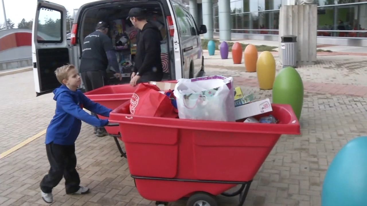 8-year-old patient collects 900 toys for kids at A.I. duPont Hospital. Watch the report from Action News at 4:30 p.m. on December 17, 2018.