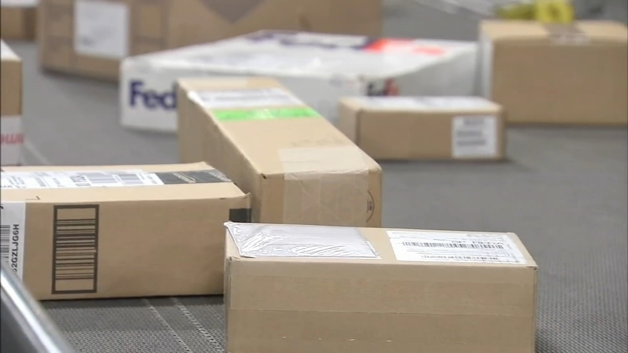 Holiday shipping the week before Christmas. Katherine Scott reports during Action News at 12 p.m. on December 18, 2018.