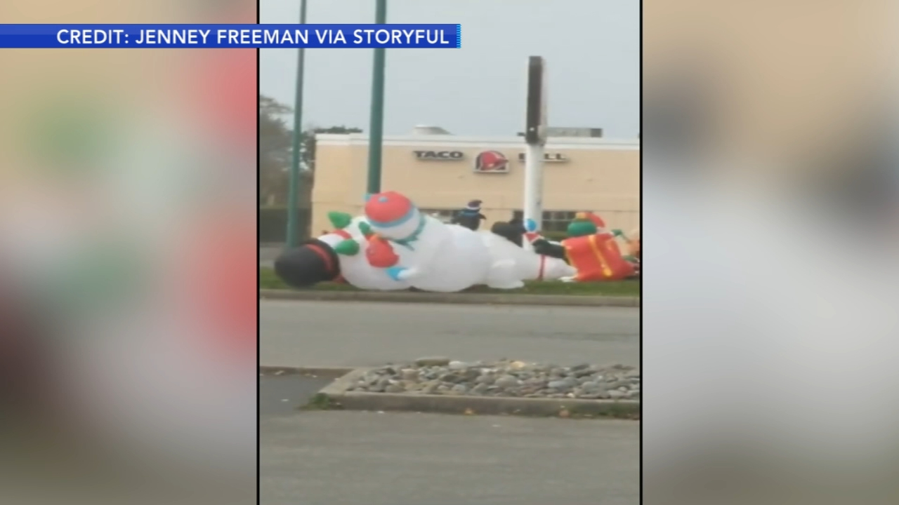 Inflatable snowmen clash in Oregon. Tamala Edwards reports during Action News Mornings on December 18, 2018.