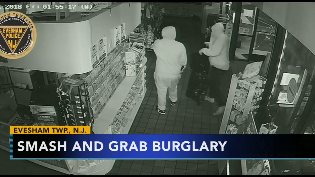 Police: 2 suspects sought for burglarizing Evesham Twp. store. Rick Williams reports during Action News at 12:30 p.m. on December 19, 2018.