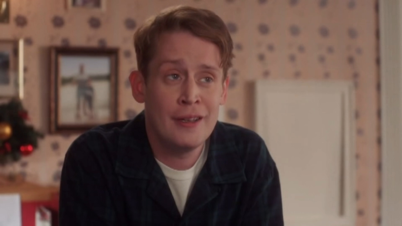Macaulay Culkin left Home Alone again in Google ad. Tamala Edwards reports during Action News Mornings on December 20, 2018.