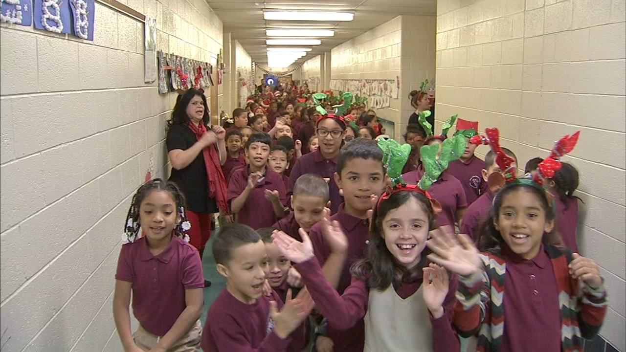 Elementary school celebrates Parranda: Jeannette Reyes reports on Action News at 6 p.m., December 20, 2018