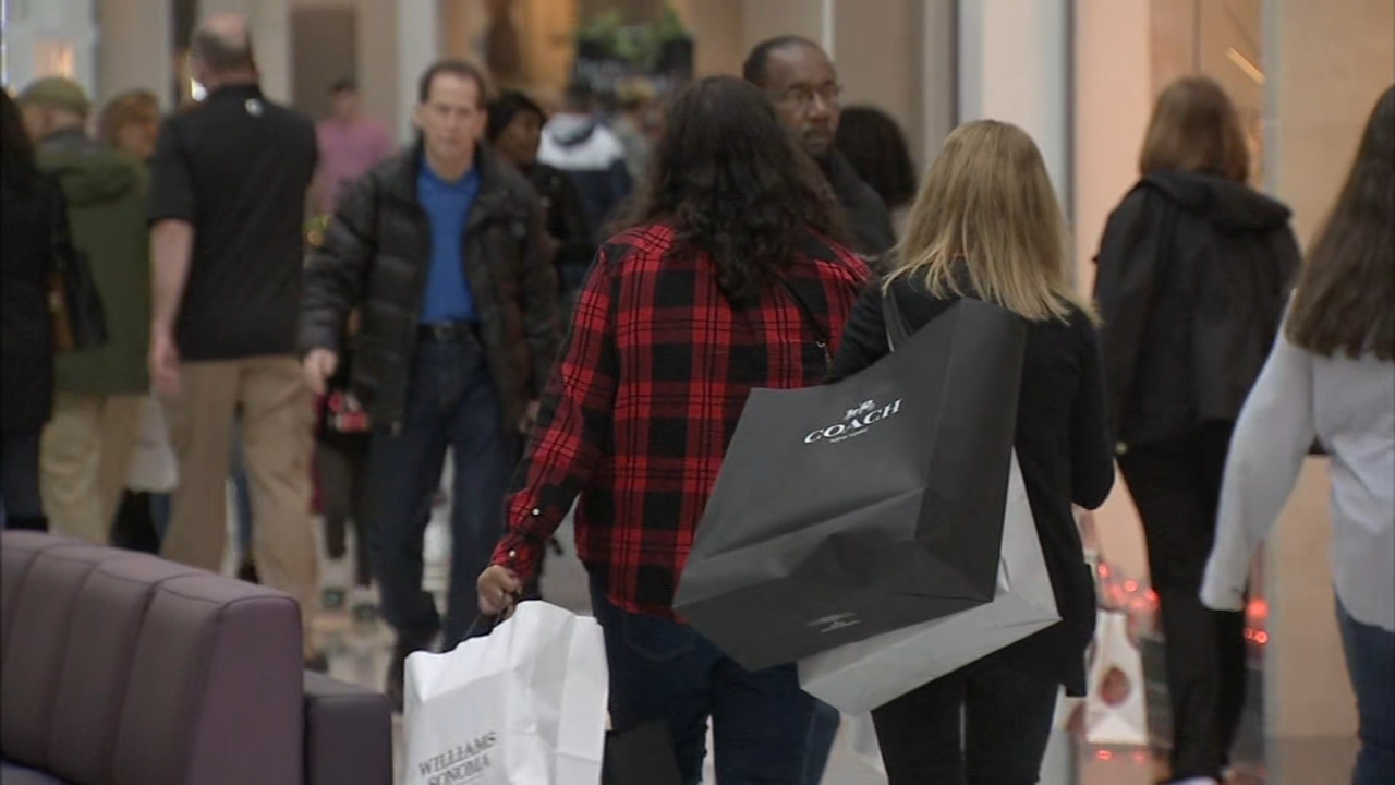 Last minute shoppers pack the King of Prussia Mall. Maggie Kent reports during Action News at 5 p.m. on December 21, 2018.