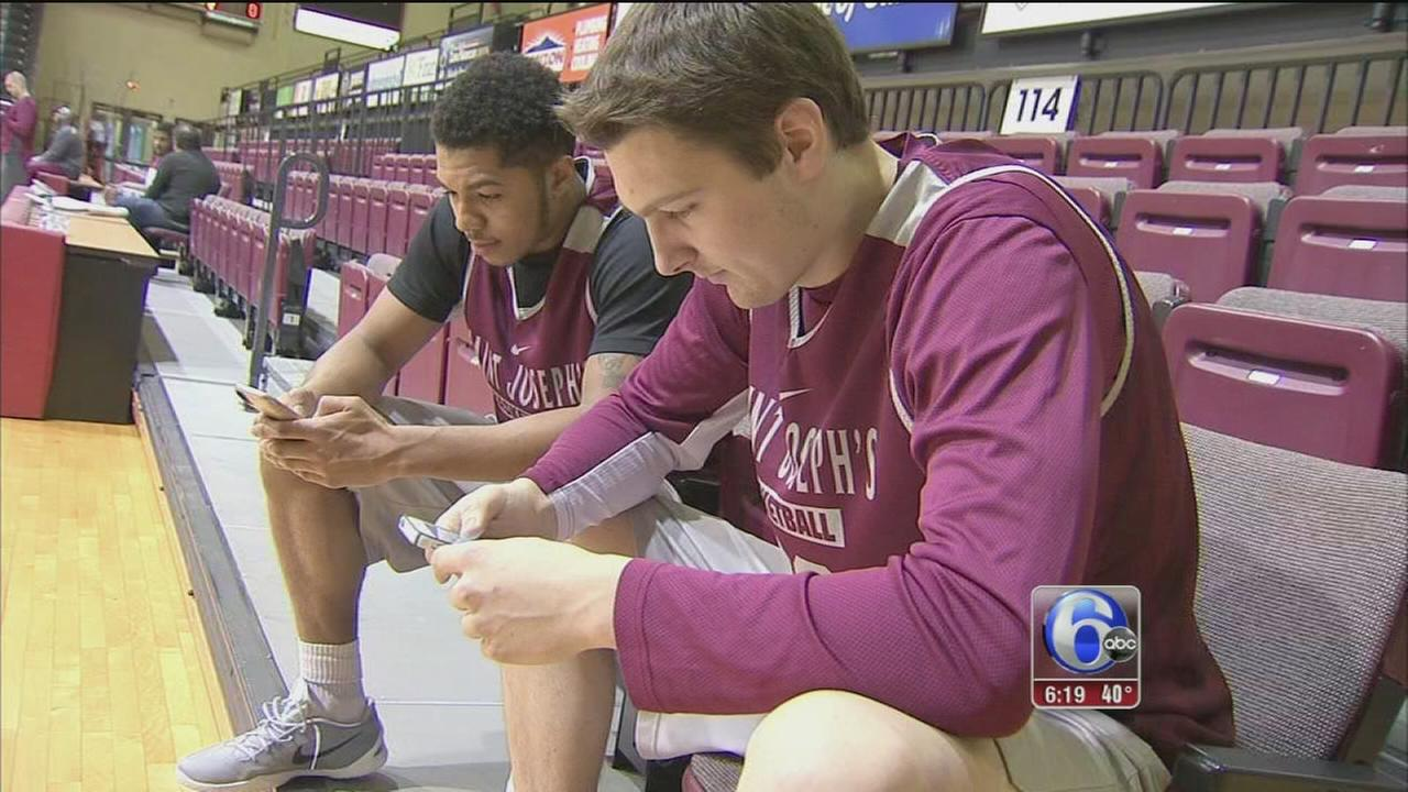 VIDEO: Texting with the coach