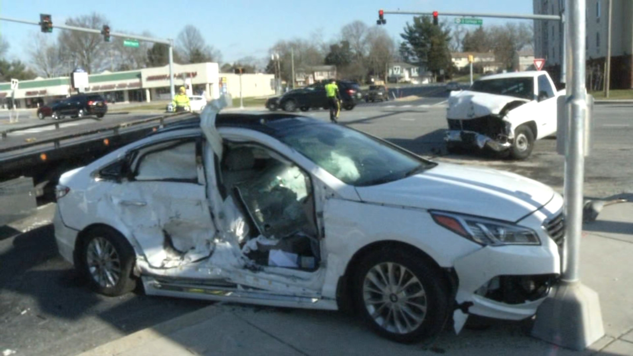 Multiple people injured in crash in Newark.