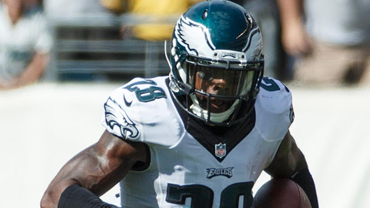 Philadelphia Eagles free safety Earl Wolff runs with the ball during the second half of an NFL football game, Sunday, Sept. 7, 2014, in Philadelphia.