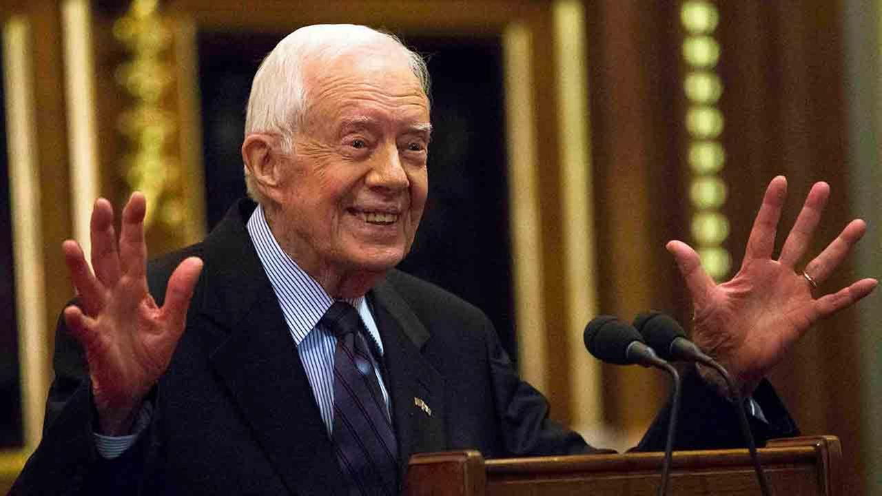 """Jimmy Carter: World at """"turning point,"""" must commit to peace"""