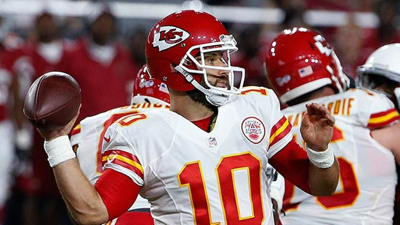 Kansas City Chiefs Chase Daniel throws a pass against the Arizona Cardinals during the first half of an NFL preseason football game Saturday, Aug. 15, 2015, in Glendale, Ariz.