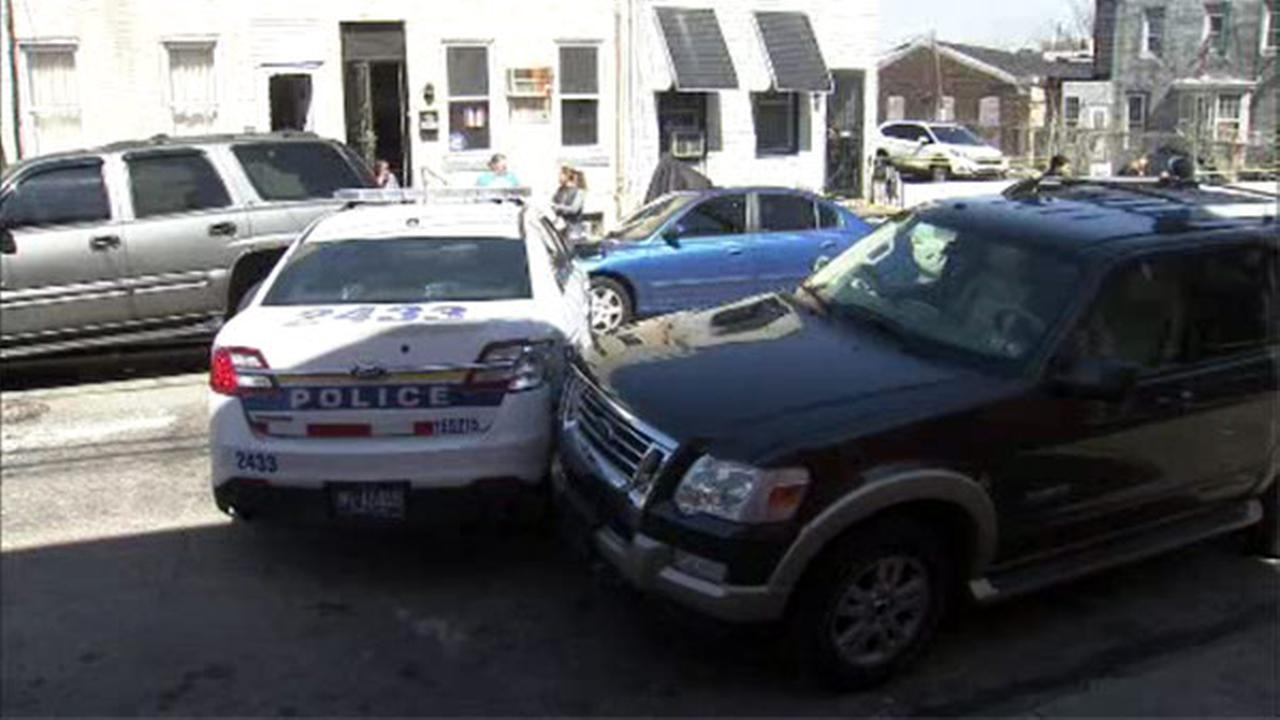 Officer injured in crash while responding to call in Kensington