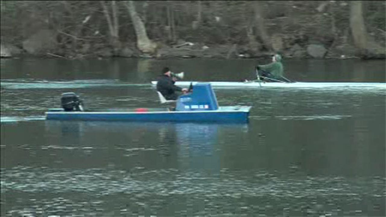 2 small boats collide on the Schuylkill River