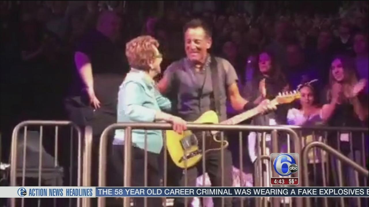 VIDEO: Bruce Springsteen dances with mom