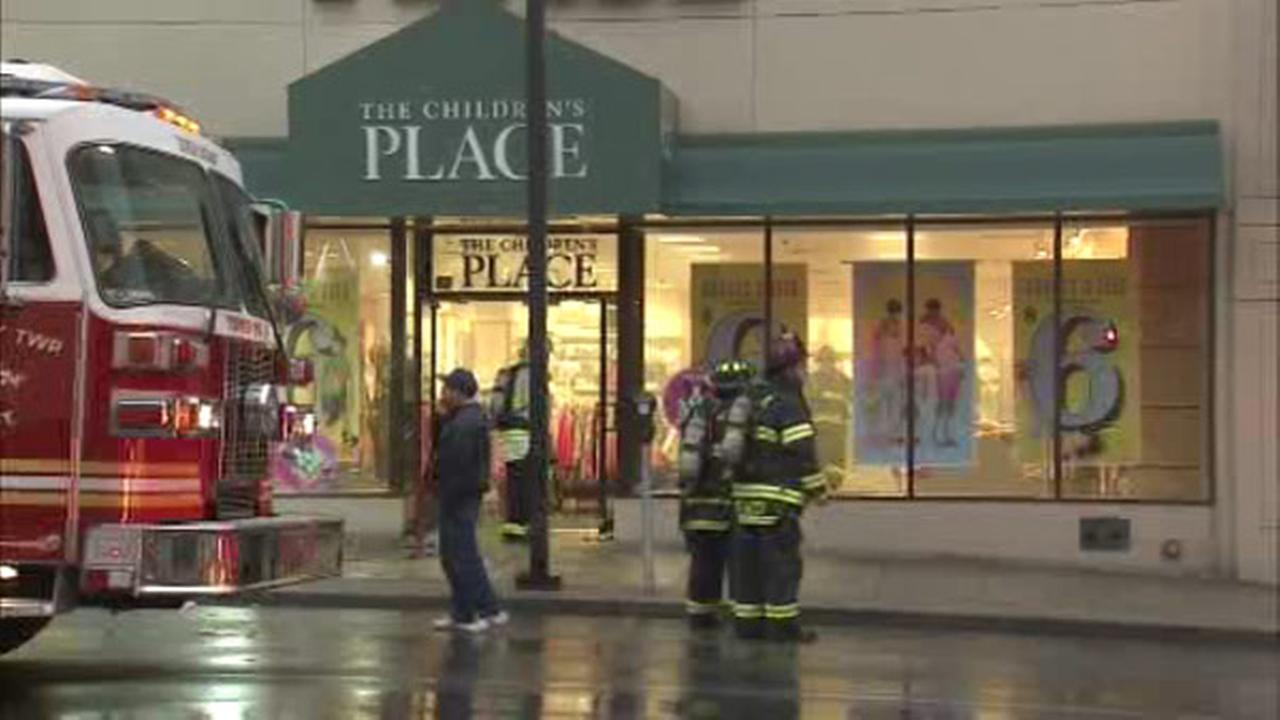 Smoke fills children's clothing store in Upper Darby