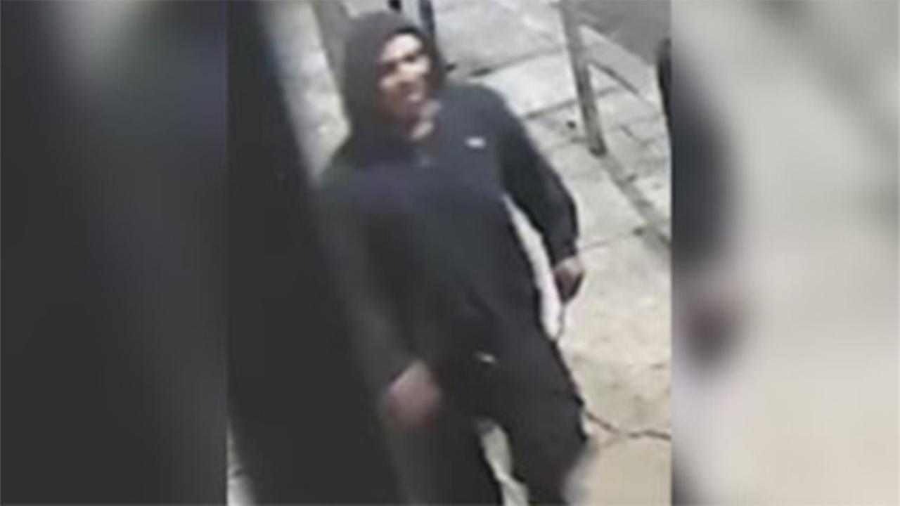 Police: Suspect wanted for snatching bag in Northern Liberties