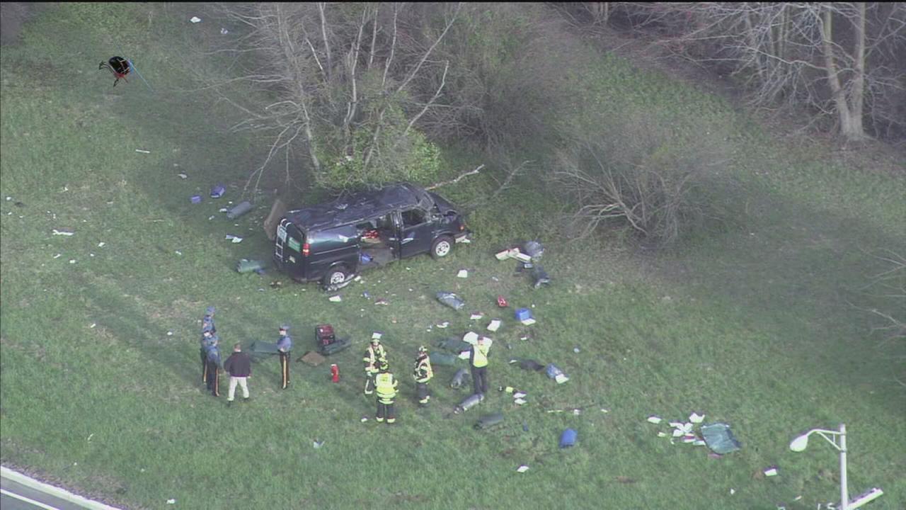 VIDEO: 5 injured in crash on I-295