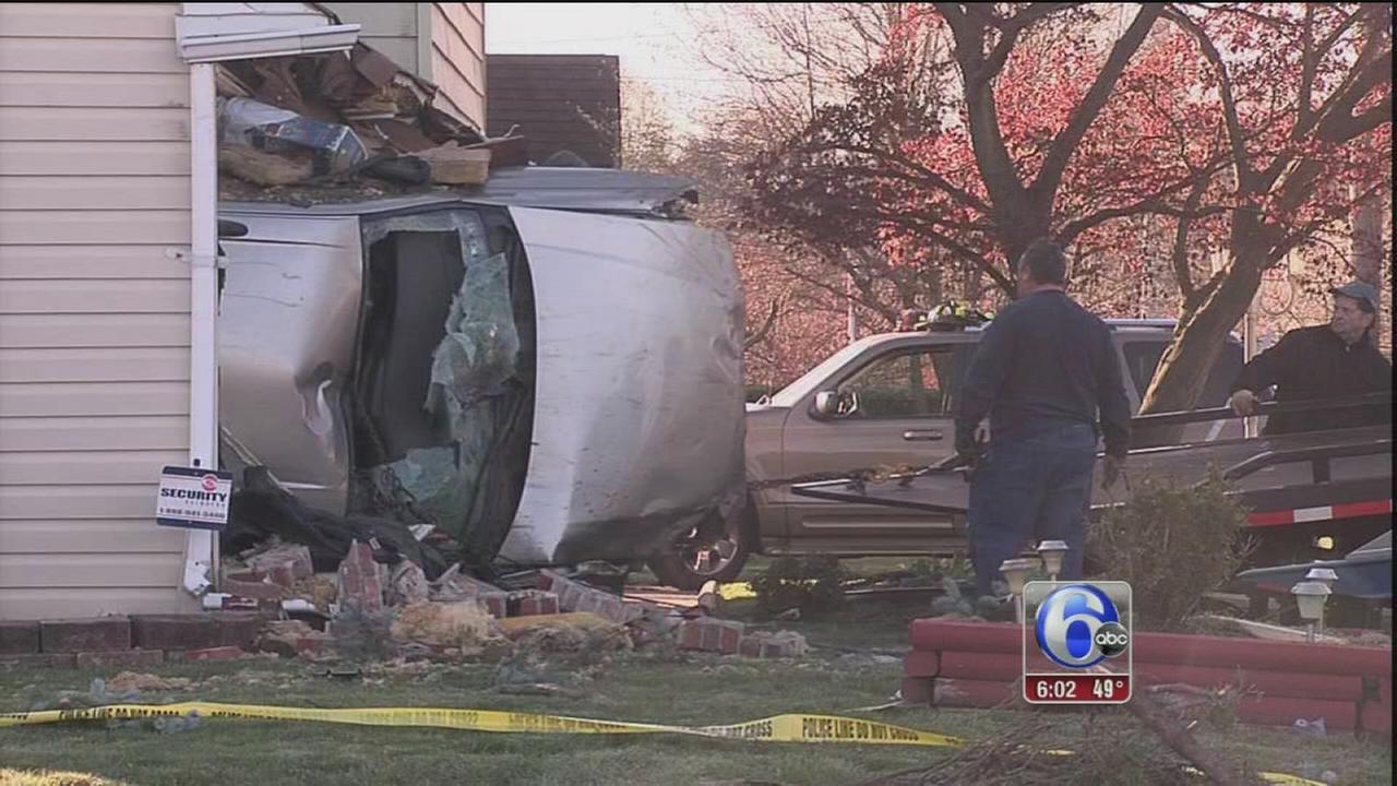 VIDEO: Car into house