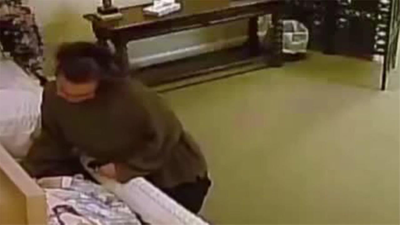 Police: Woman steals ring from corpse