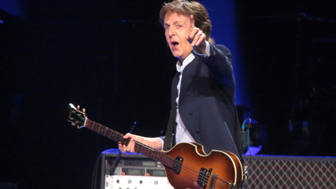 PHOTOS Paul McCartney Performs In Philly