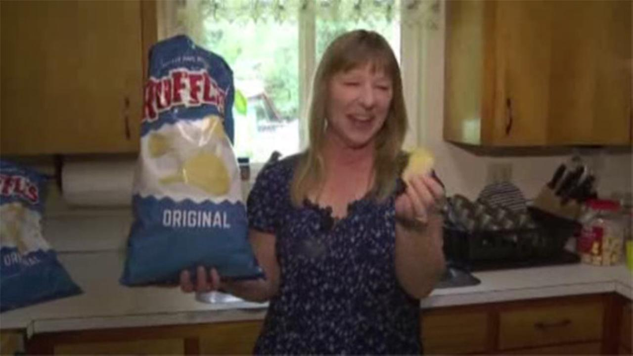 Woman finds cancerous tumor eating potato chip