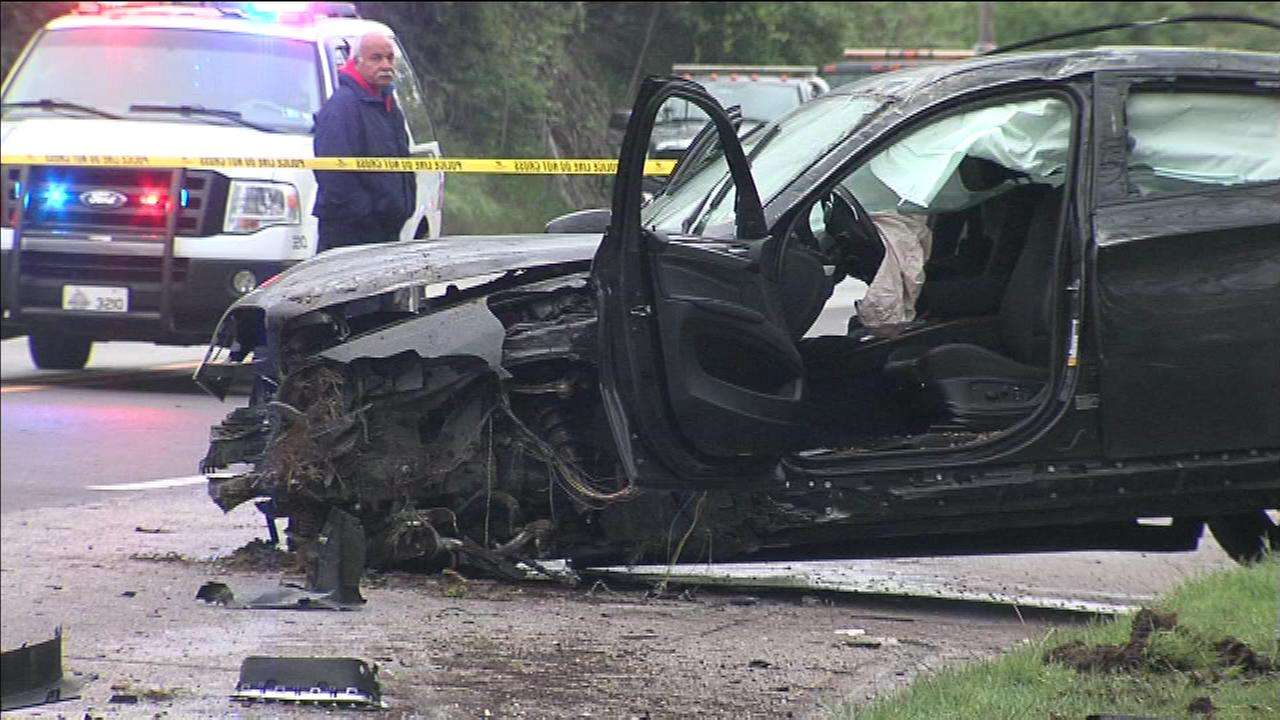 Montgomery County authorities are investigating a crash involving seven vehicles that left three people injured.