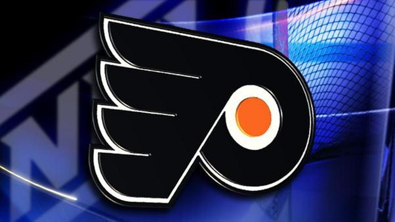 Flyers score 5 in 2nd in 7-3 rout over Tampa Bay