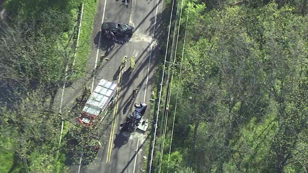 4 injured in Solebury Township crash