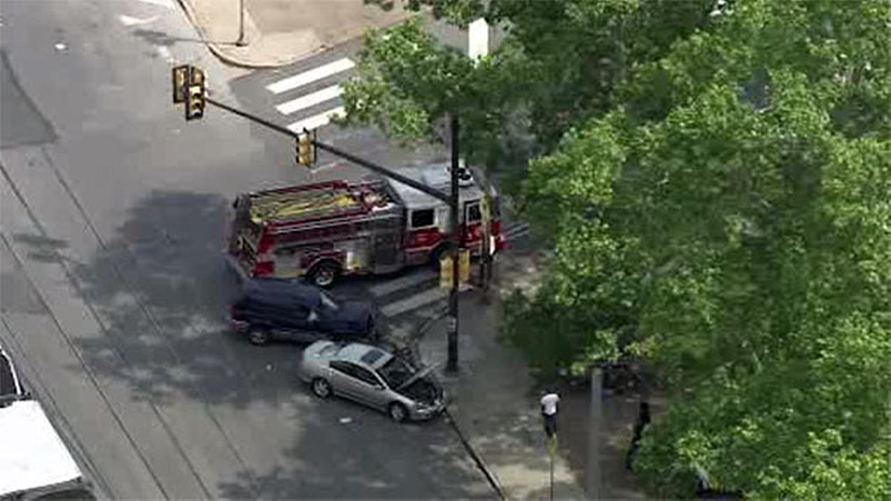 2-vehicle crash in North Philadelphia
