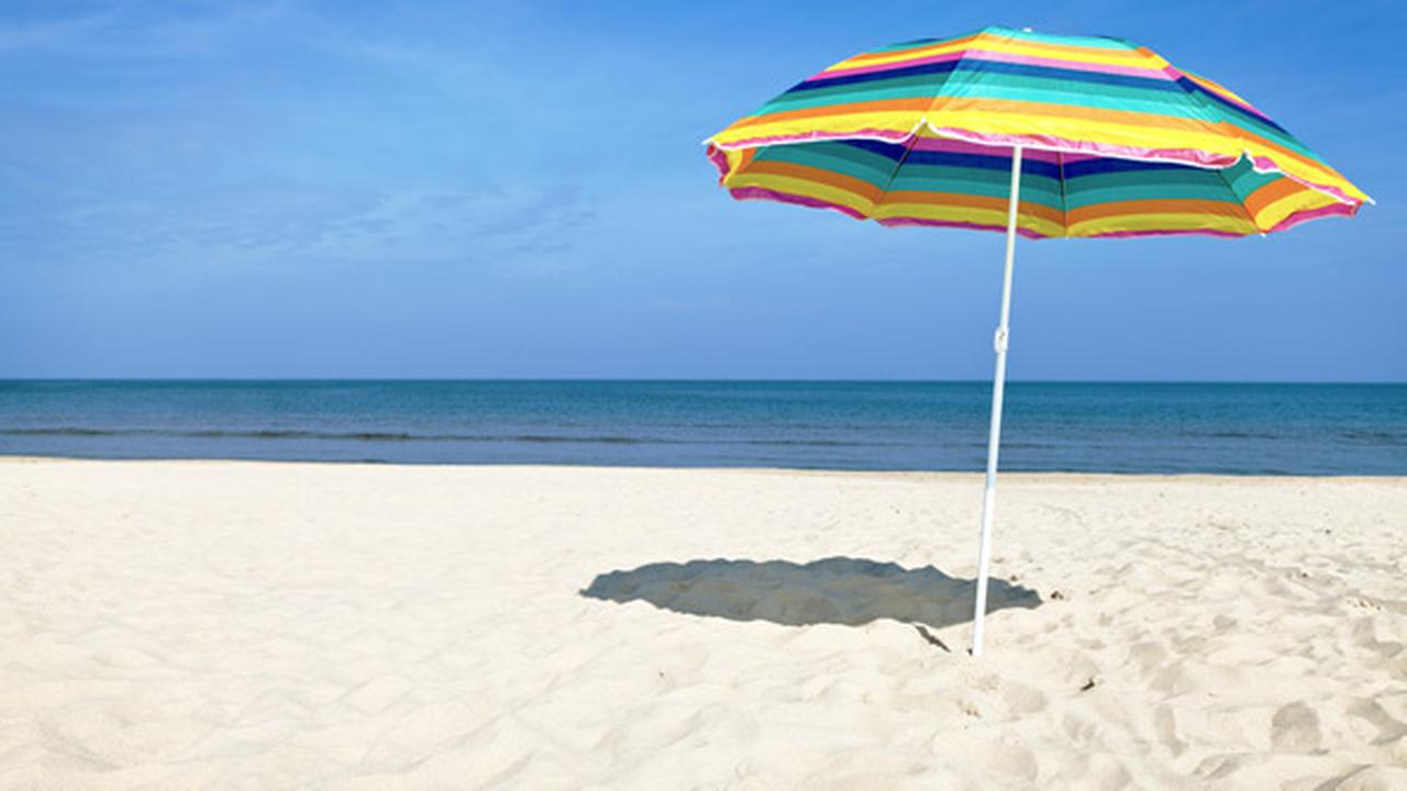 Image of: Beach Umbrella To Windblown Beach Umbrella Hits Kills Woman In Virginia 6abccom
