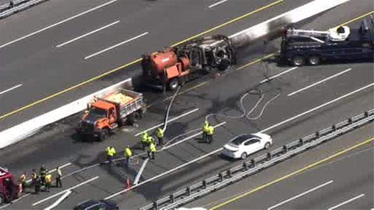 NJ Turnpike clear after truck crash, fire