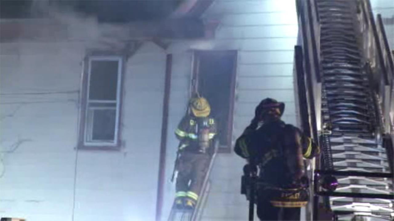 Firefighters battle fast-moving blaze in Paulsboro