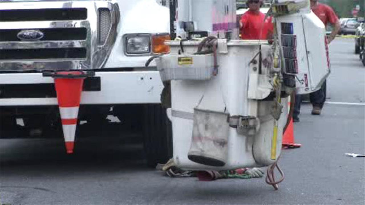 PECO worker receives electrical shock in Delco