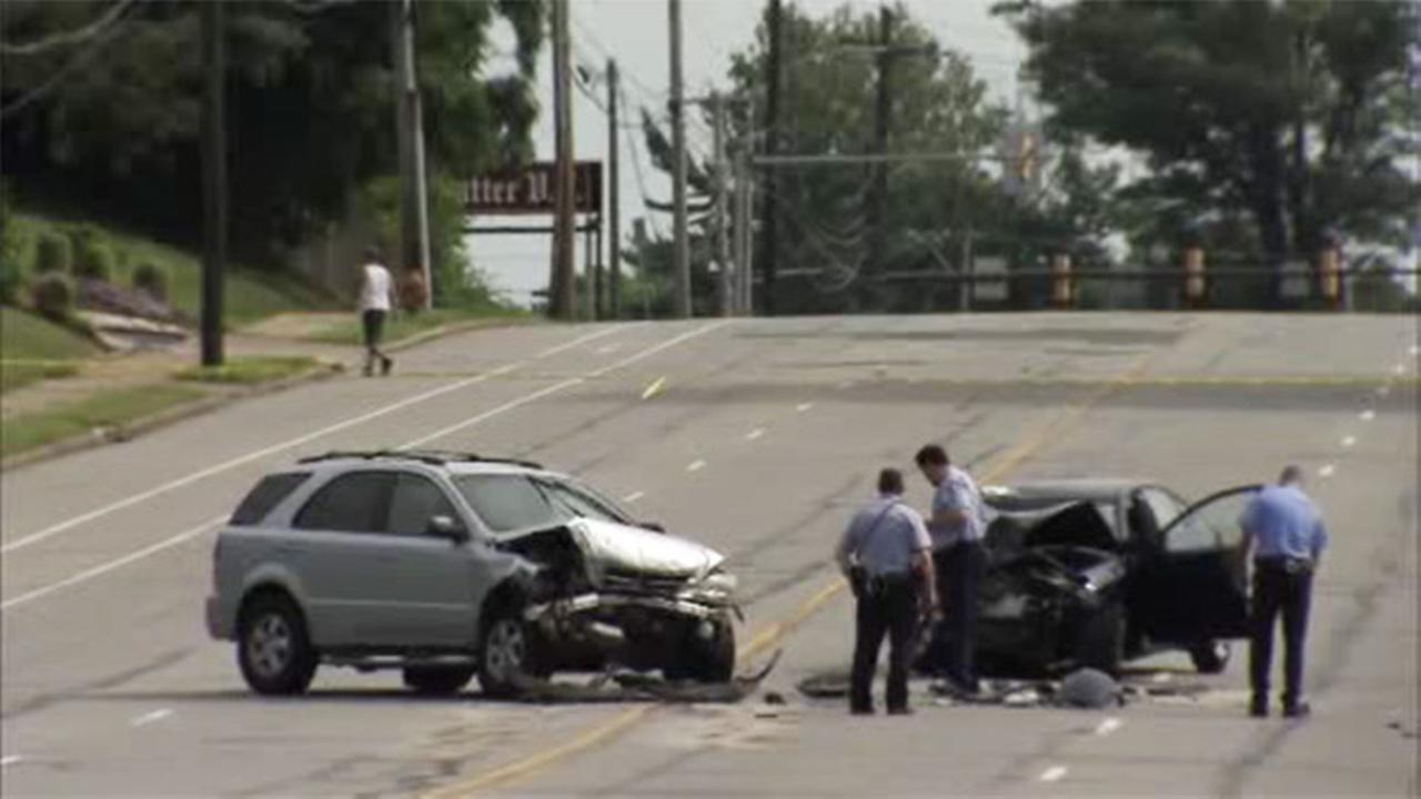 1 dead after head-on crash in Northeast Philadelphia