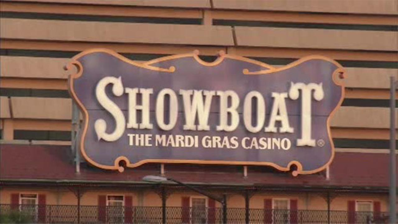 Caesars says it will close Showboat