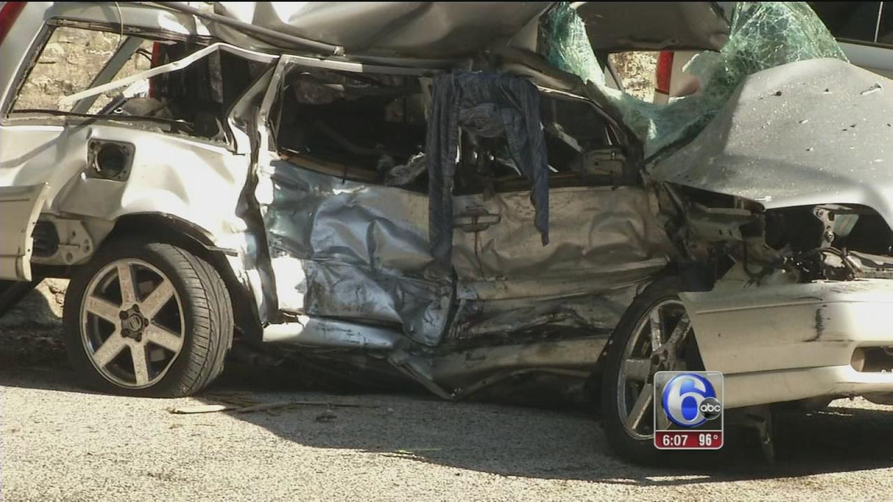 Man Woman Killed In 3 Car Crash On Lincoln Drive 6abc Com