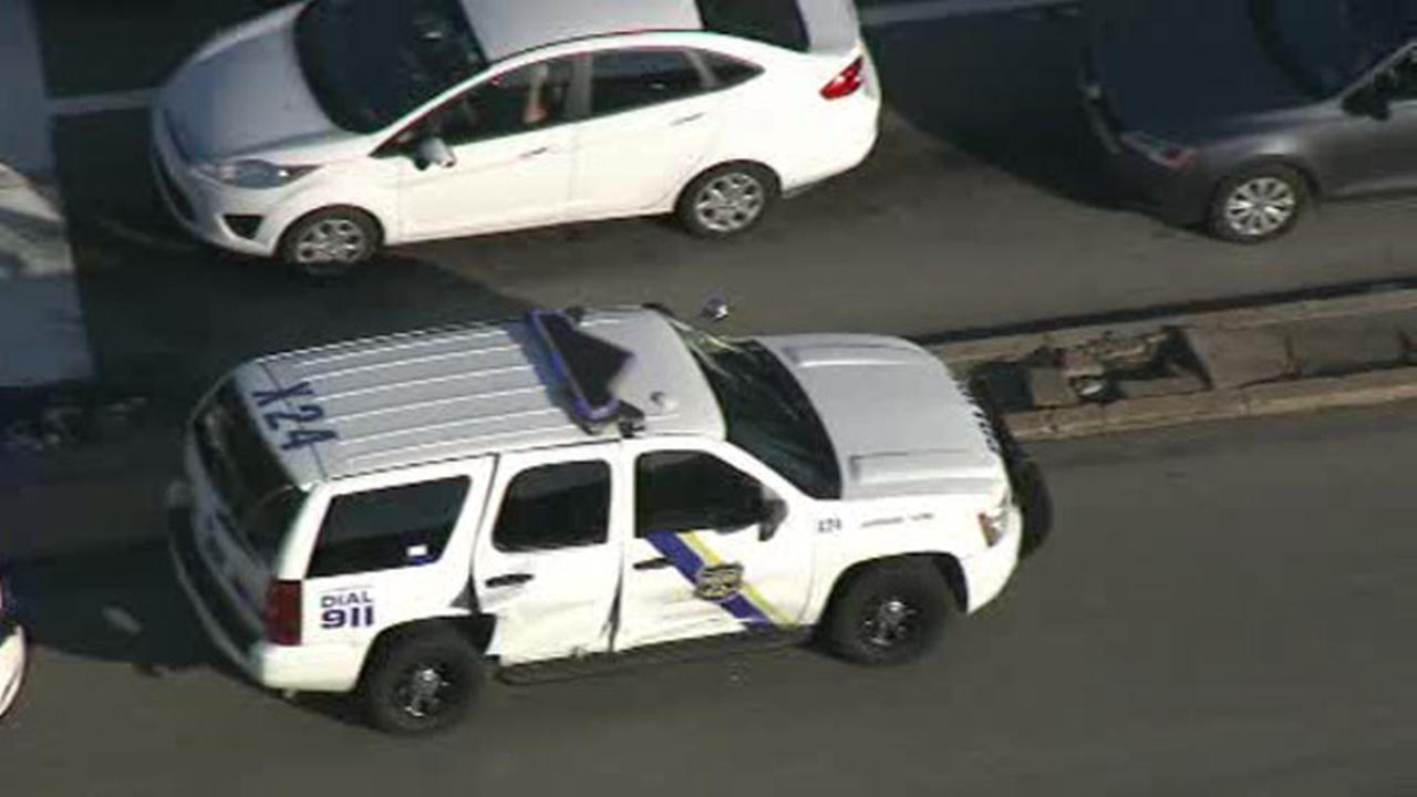 Philadelphia police officer injured in Bustleton crash