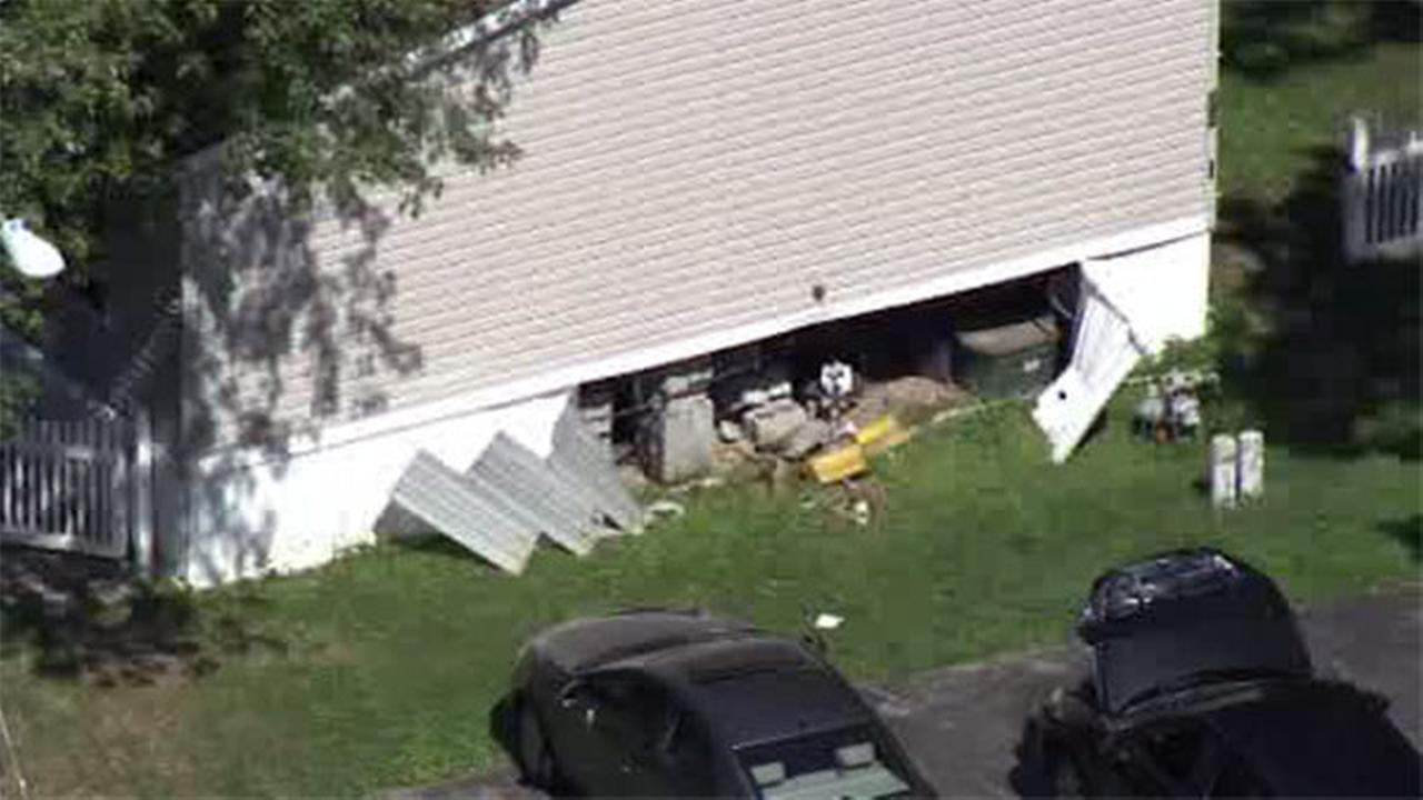 Gas leak after car hits house in Montgomery Co.