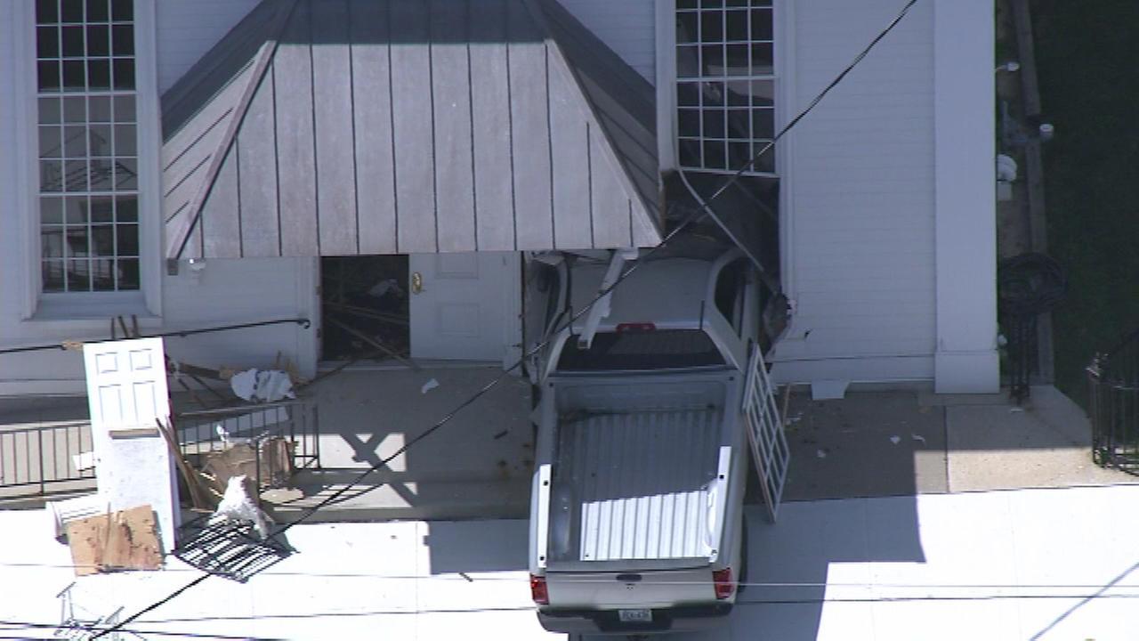 Pickup slams into Mercer Co. church