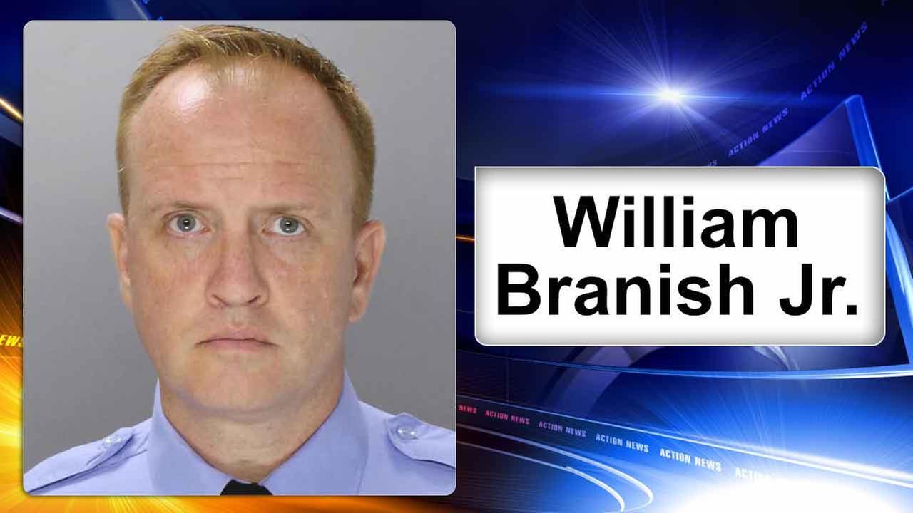 Philadelphia police officer arrested on drug charges