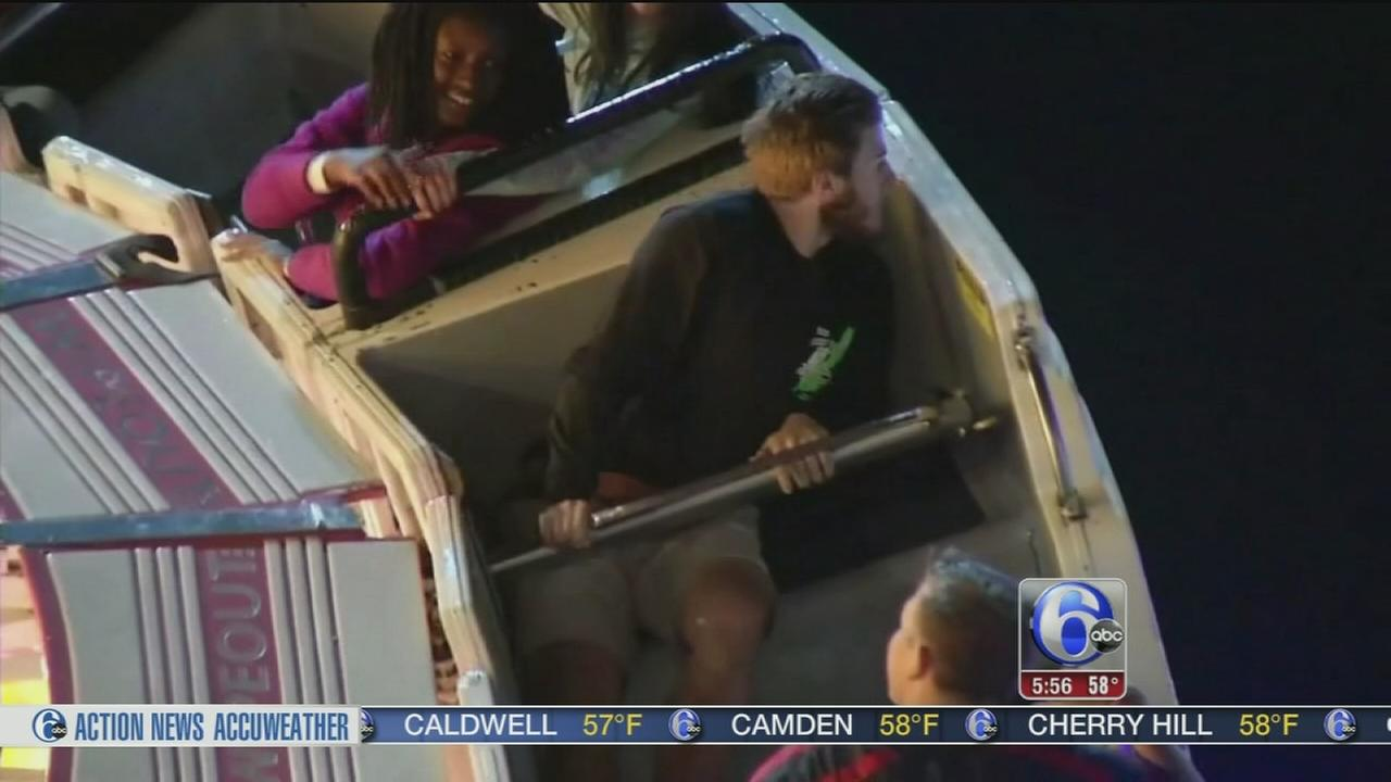 VIDEO: Riders stuck on amusement ride for 2 hours