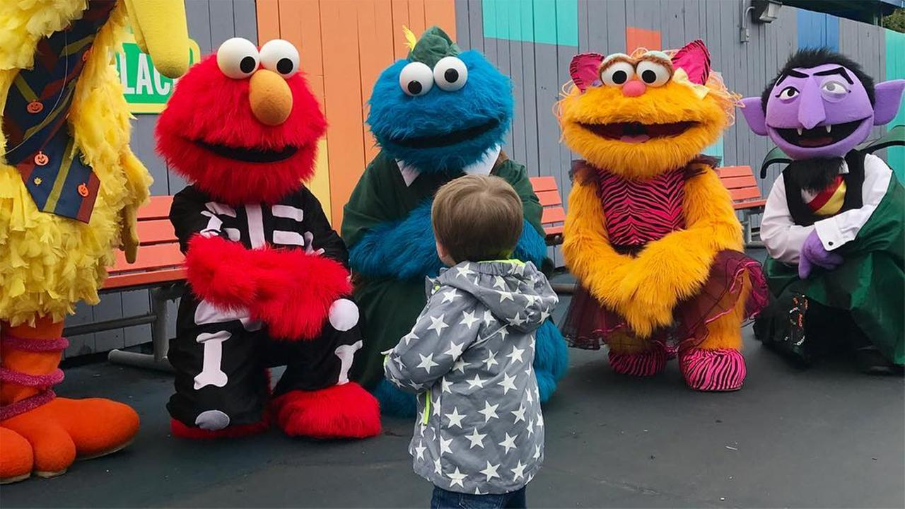Country pop superstar Carrier Underwood made a stop at Sesame Place in Langhorne, Bucks County with her son Isaiah.
